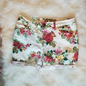 Vanilla Star White and Floral Jean Shorts